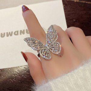 *NEW Huge 18K White Gold Diamond Butterfly Ring